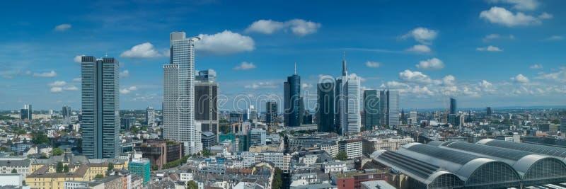 Панорама горизонта Франкфурта стоковые изображения