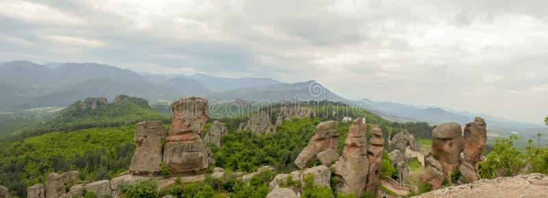 Панорама горных пород на крепости Belogradchik стоковые фотографии rf