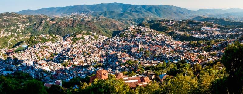 Панорама города Taxco, Геррера, Мексики стоковое фото