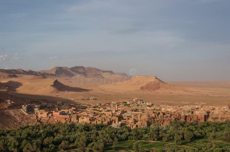 Панорама города Tinghir в Марокко Tinghir оазис на стоковые изображения