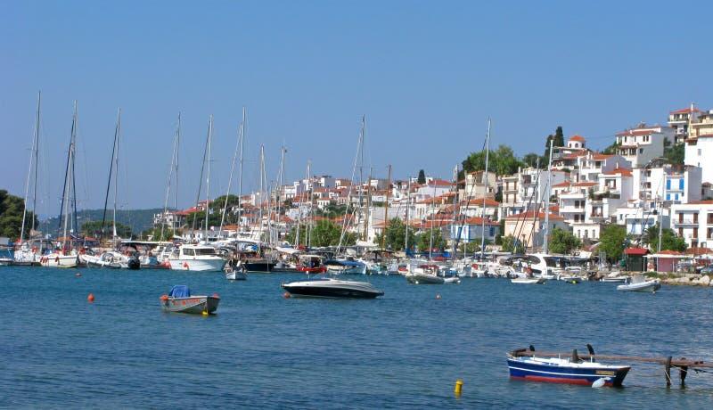 Панорама городка Skiathos, Греция стоковая фотография rf