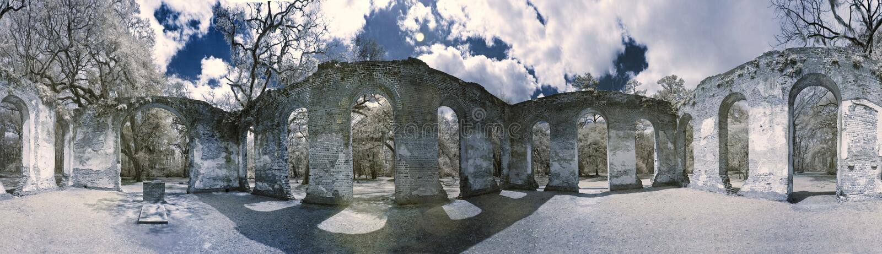 фото инфракрасного 360 руины церков стоковое изображение