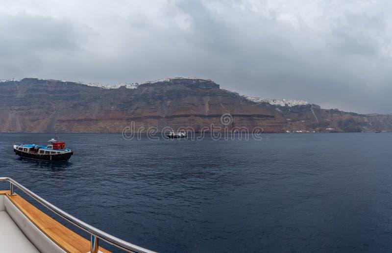Панорама деревень Imerovigli и Kondakhor, острова Santorini стоковые фото