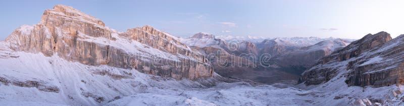 панорама доломитов стоковые фотографии rf