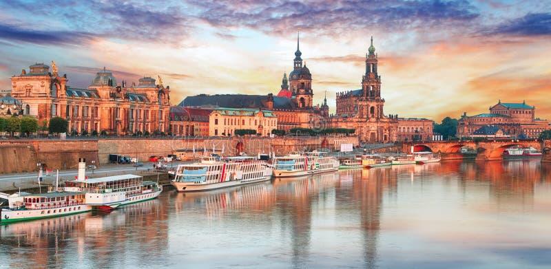 Панорама Дрездена на заходе солнца, Германии стоковые фотографии rf