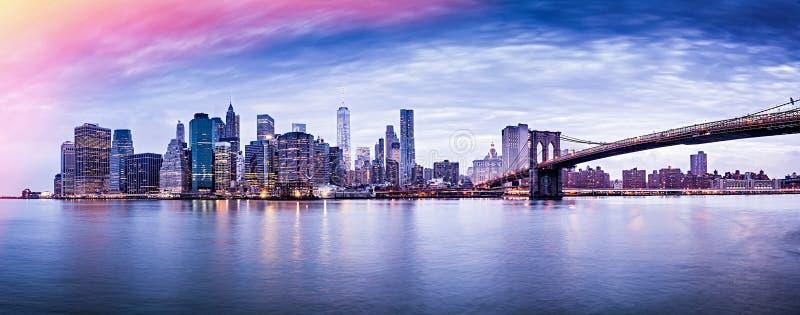 Панорама захода солнца Нью-Йорка, городской пейзаж, Манхэттен стоковая фотография