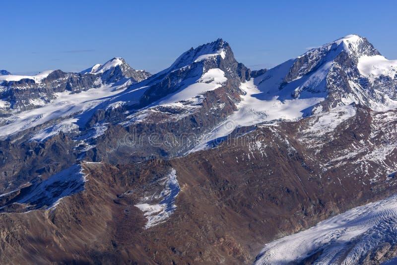 Панорама зимы Альпов от рая ледника Маттерхорна, кантона Вале стоковые изображения
