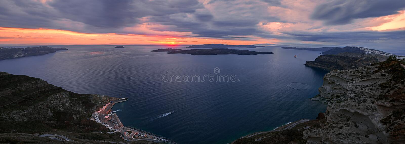 Панорама кальдеры Santorini стоковое изображение rf