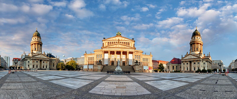 Панорама квадрата Gendarmenmarkt, Берлина на дне стоковая фотография rf