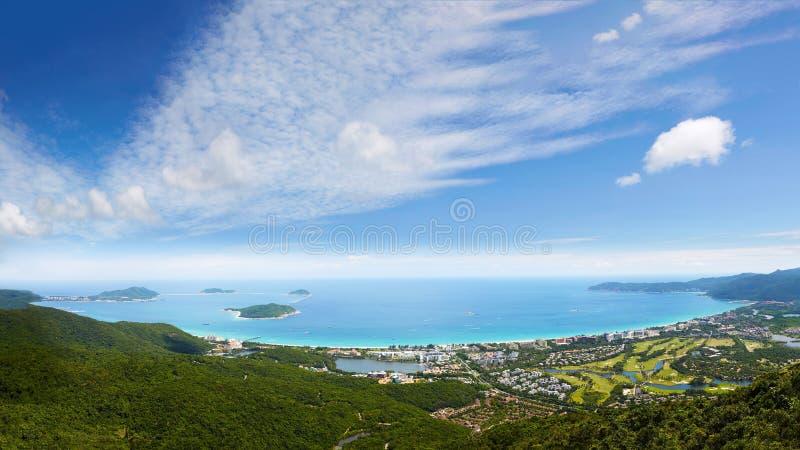 Панорама курорта залива Yalong, Sanya, Китая стоковое изображение rf