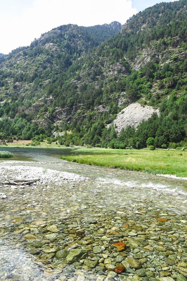 Панорама к национальному парку estortes ¼ AigÃ, своиственн каталонцам Пиренеи, Испании стоковые изображения rf