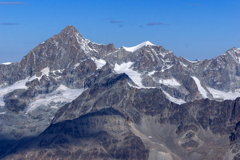 Панорама к швейцарцу Альпам от рая ледника Маттерхорна к Альпам стоковое фото rf