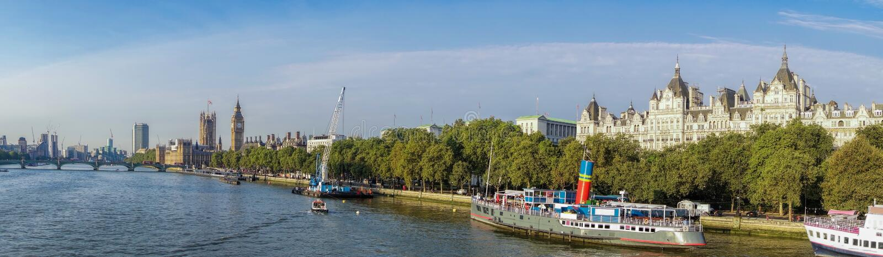 Панорама Лондона с большим Бен в Англии, Великобритании стоковые изображения