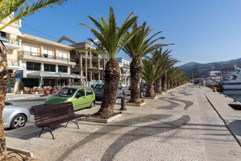 Панорама обваловки городка Argostoli, Kefalonia, Ionian островов, Греции стоковые изображения