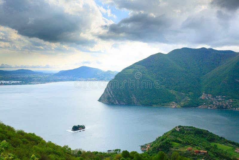 Панорама озера от стоковая фотография