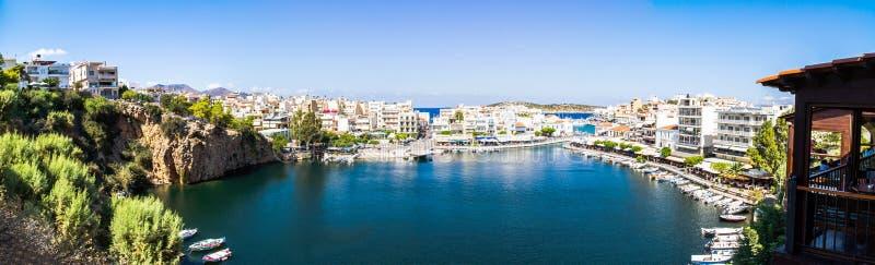Панорама озера Voulismeni Nikolaos ажио стоковое изображение rf