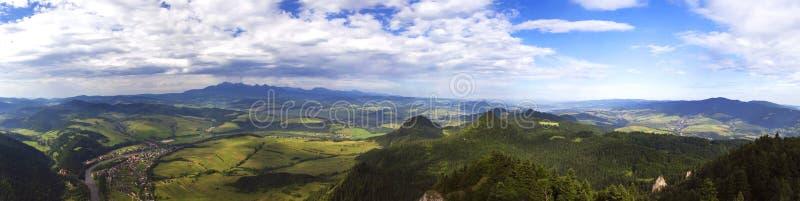 Панорама от 3 крон выступает в Pieniny стоковое фото rf