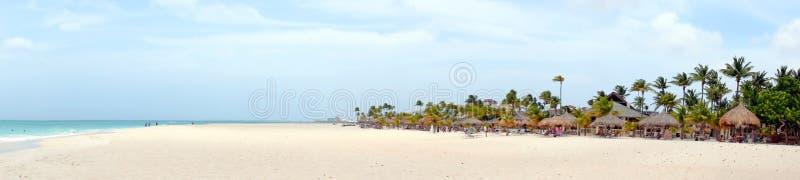 Панорама от пляжа Manchebo на острове Аруба стоковые изображения rf