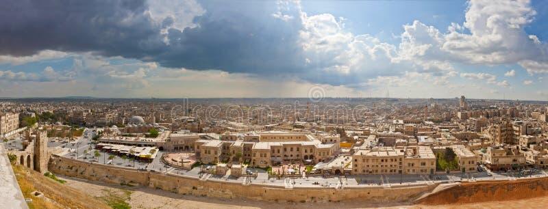 Панорама от цитадели Халеба в 2011 стоковое фото rf