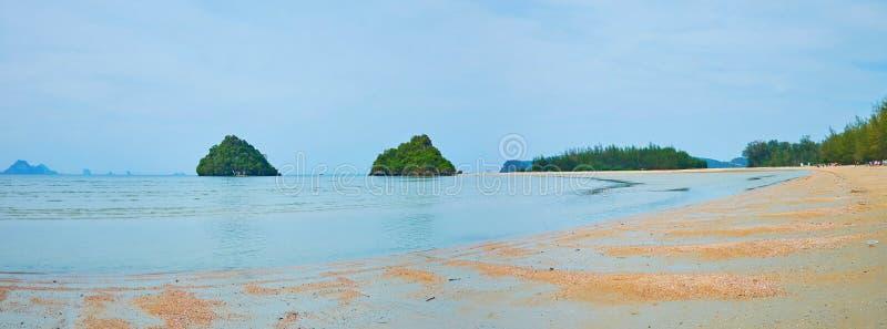Панорама пляжа Noppharat Thara, Ao Nang, Krabi, Таиланд стоковое фото