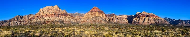 Панорама разрешения красного каньона утеса высокая стоковое изображение