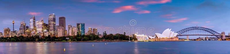 Панорама Сиднея и оперного театра, Австралии стоковое фото rf