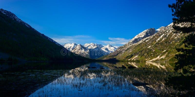 Панорама среднего озера Multa стоковое фото rf