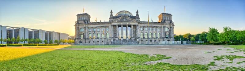 Панорама с Reichstag, Берлином, Германией стоковое фото