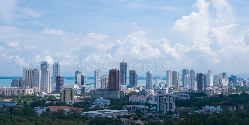Панорама тропического города стоковые фото