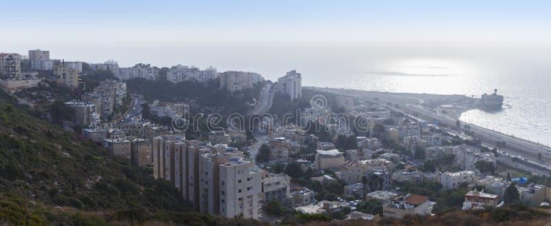 Панорама Хайфы на заходе солнца стоковые фотографии rf