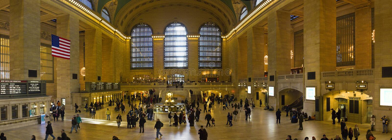 Панорама центральной станции Нью-Йорка грандиозной в Манхаттане стоковые изображения