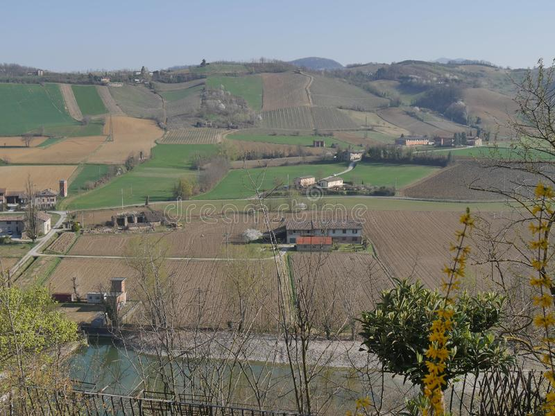 """Панорама человеческого замка """"Arquato стоковое изображение rf"""