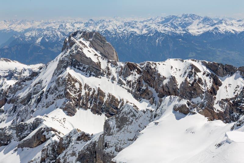панорама Швейцарии горной цепи стоковое изображение rf