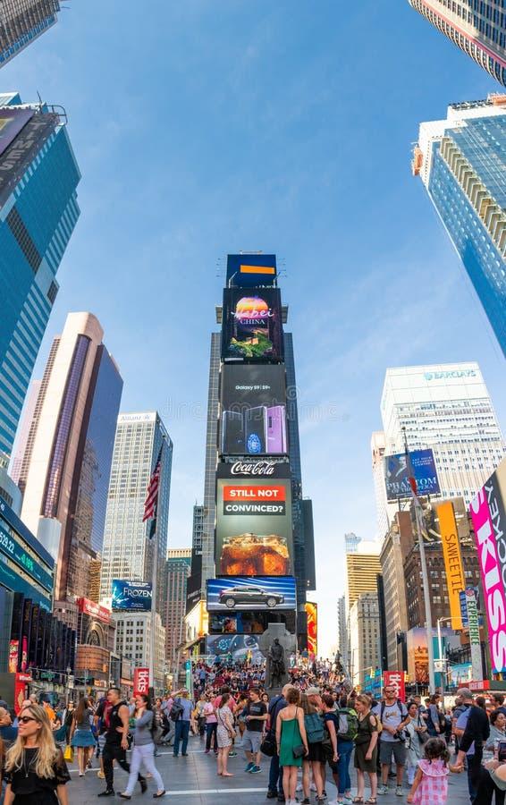 Панорама Ertical небоскребов в Таймс площадь стоковые изображения