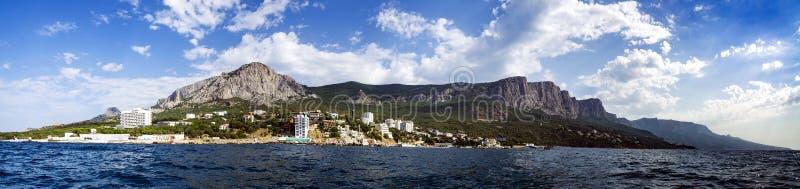 Панорама forossky фона en парка крымских гор 3 стоковое изображение rf