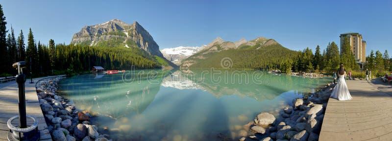 Панорама Lake Louise, Альберта стоковое фото
