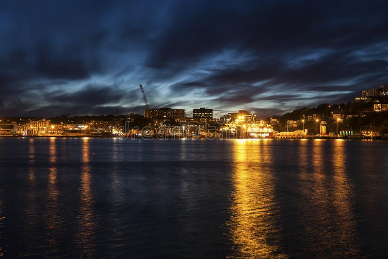 Панорама St. John вечером стоковые фото