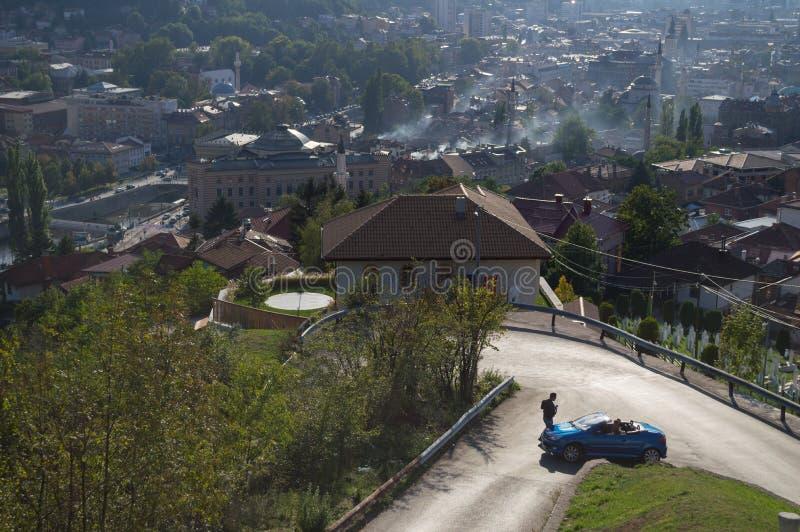 Панорамная съемка городского пейзажа Сараева от пункта бдительности стоковое фото