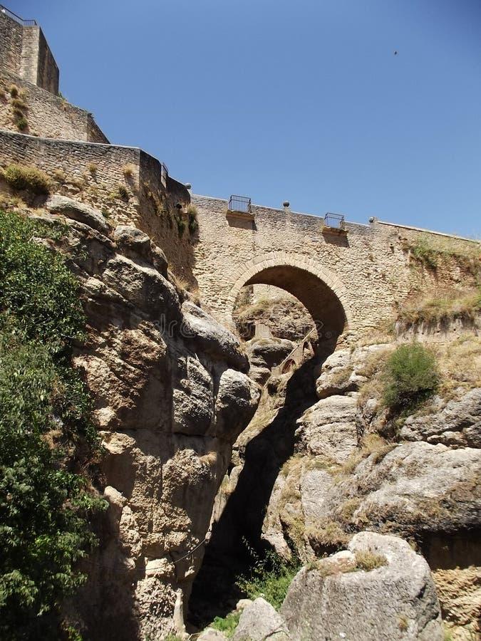 Панорамный арабского моста на Ronda, Малаге, Андалусии стоковые фото