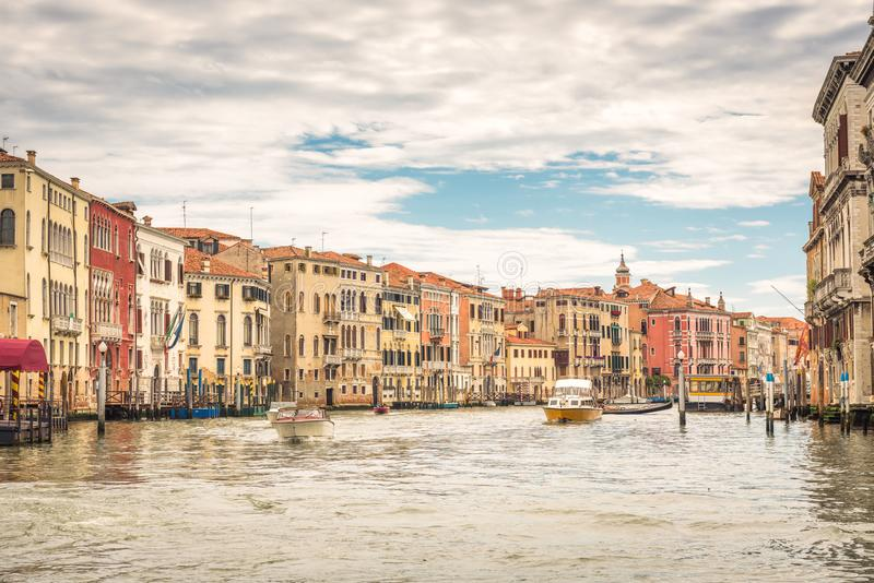 Панорамный взгляд грандиозного канала, Венеции, Италии стоковое изображение