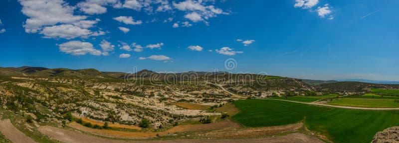 Панорамный взгляд долины Phrygian расположенной между Afyon и стоковое изображение