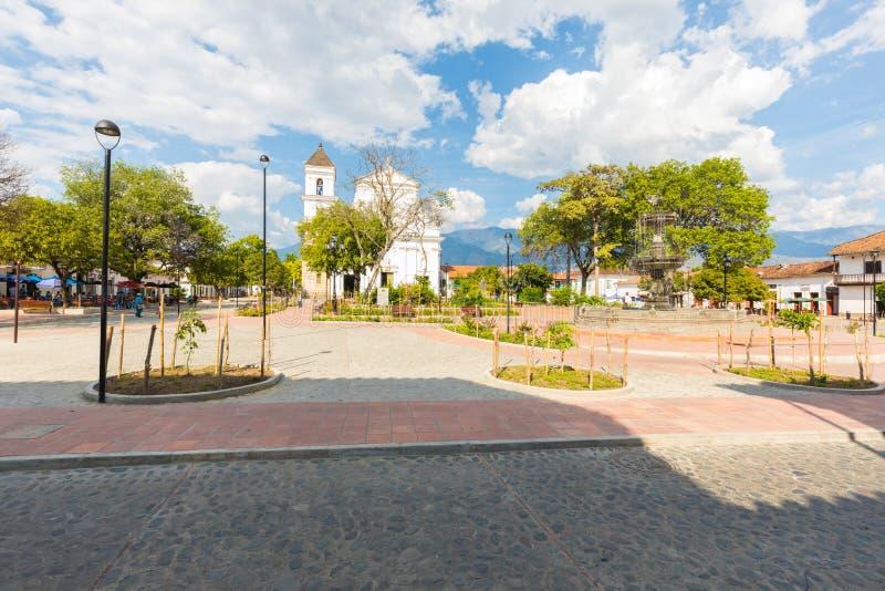 Панорамный взгляд квадратного парка Симон Боливар Санта-Фе Колумбии стоковые изображения