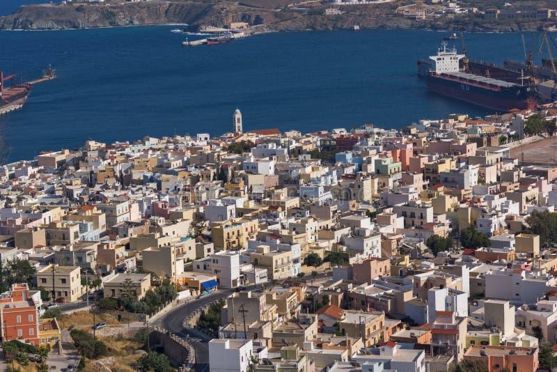 Панорамный взгляд к городу Ermopoli, Syros, Греции стоковое изображение rf