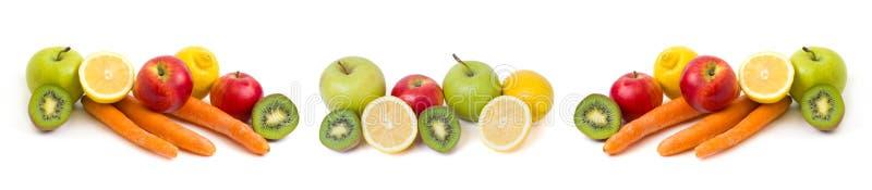 Панорамный взгляд лимона с яблоками и кивиа на белой предпосылке Киви с лимоном на белой предпосылке Плодоовощи на задней части б стоковая фотография