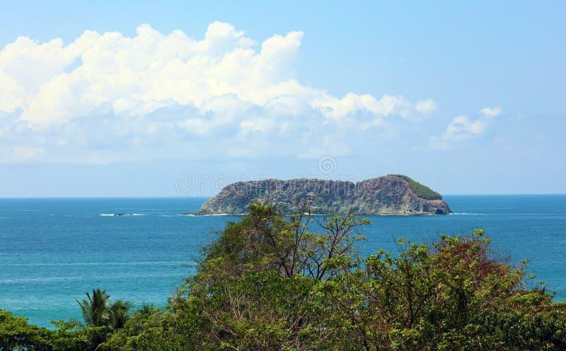Панорамный взгляд пляжа национального парка Манюэля Антонио в Коста-Рика, большинств красивых пляжах в мире стоковое фото rf