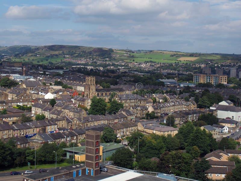 Панорамный взгляд ariel городка halifax в Западном Йоркшире стоковое фото rf