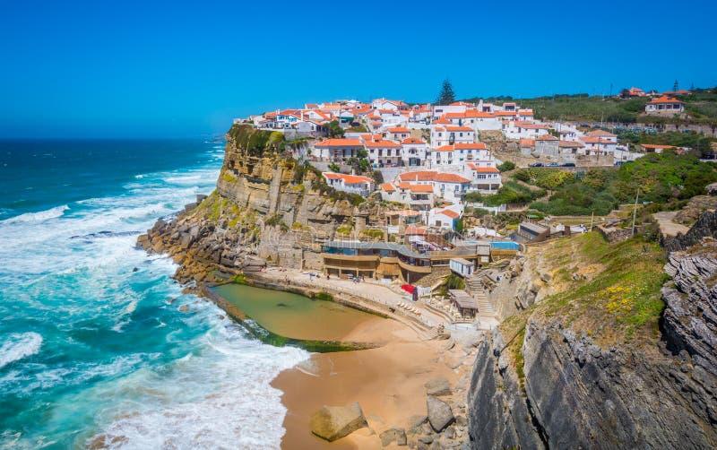 Панорамный взгляд Azenhas повреждает, Sintra, Португалия стоковое фото