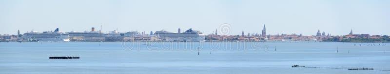 Панорамный взгляд лагуны Венеции, Италии стоковое фото rf