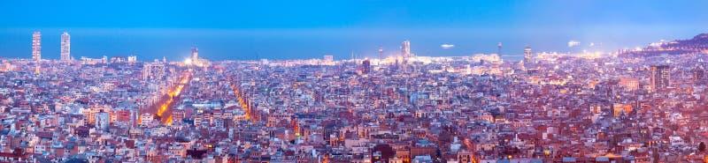 Панорамный взгляд Барселоны в вечере стоковая фотография