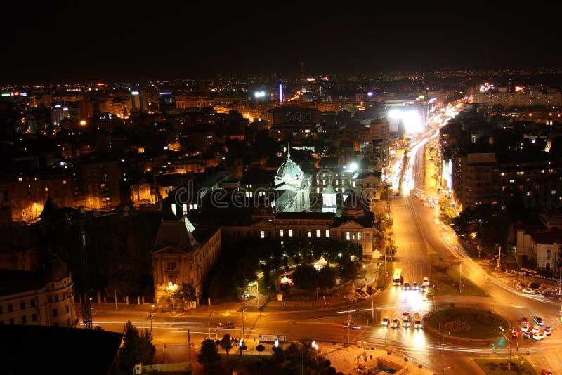 Панорамный взгляд Бухареста (Румынии) на ноче стоковая фотография rf